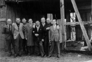 Fra venstre er det Arne Jepsen, Knud Børge Andersen, Aksel Hansen fra Holbæk, Ove Petersen, Knut Sørensen, nr 6 ?, Gudmund Hansen og Jens Kristian Bergstrøm.